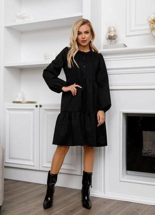 Черное свободное замшевое платье с воланами