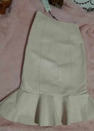 Ультрамодная юбка с эко кожи