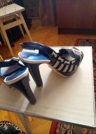 Туфлі 39 розміру