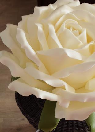 Светильник из изолона «Роза»