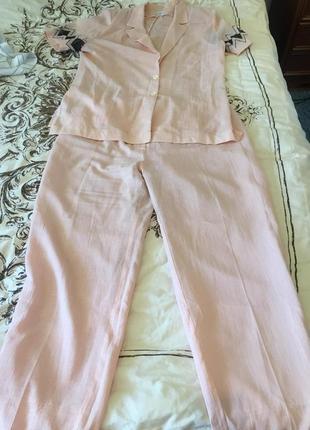 Розовый брючный костюм тройка, размер 56