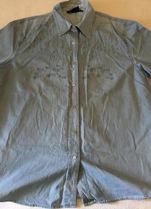 Женская джинсовая рубашка большого размера