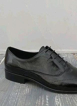 Шкіряні лаковані туфлі!