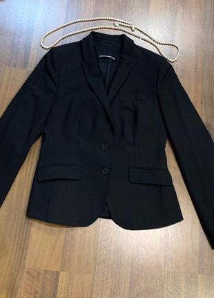 Черный пиджак на натуральной подкладке