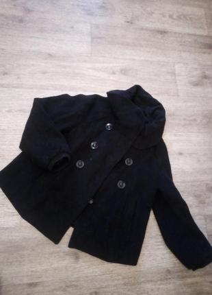 Фирменное шерстяное пальто полупальто