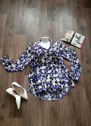 Классическая базовая блуза белого с синим цвета 48-50 размера.