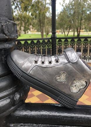 Идеальные хайтопы , крутые ботиночки , кеды высокие, детская обув