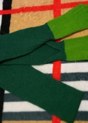 Оригинальный шарф с перчатками