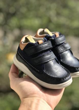 Clarks дитячі шкіряні демісезонні ботінки кросівки