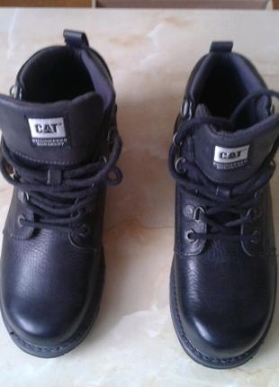Продам ботинки CAT