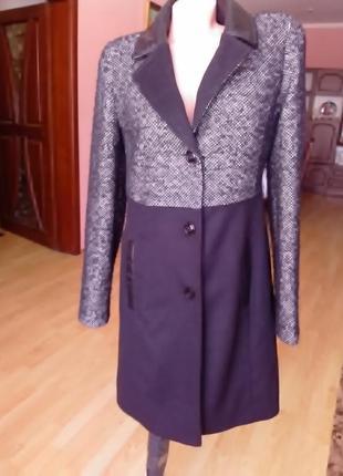 Пальто с кожаними вставками 46р