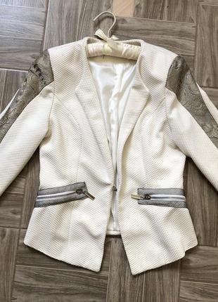 Шикарный дорогой пиджак