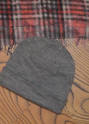 Серая шапка унисекс h&m one size