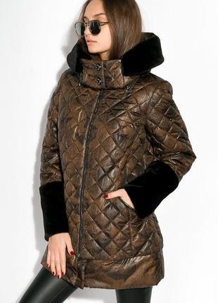 Женская   куртка  -  с меховыми вставками на рукаве