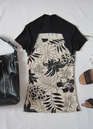 Футболка стрейчевая блуза в обтяжку красивое декольте принт цветы