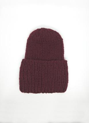 Вязаная шапка из шерсти альпака объемная с подворотом бини вин...