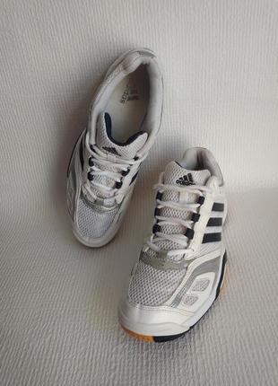 Adidas оригинальные кроссовки 41,5