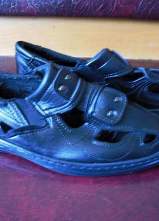 Мужские сандалии .
