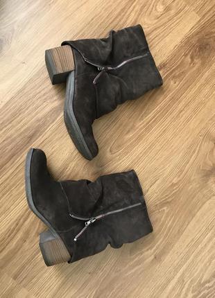 Замшевые ботинки boutique9 в отличном состоянии.