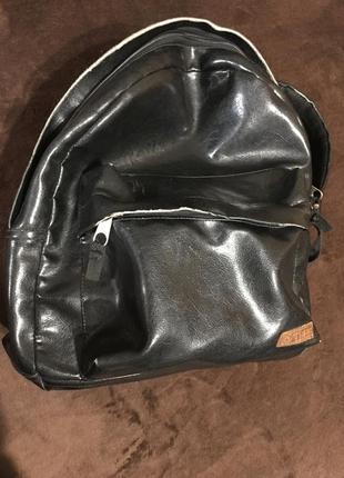 Рюкзак,кожаный рюкзак