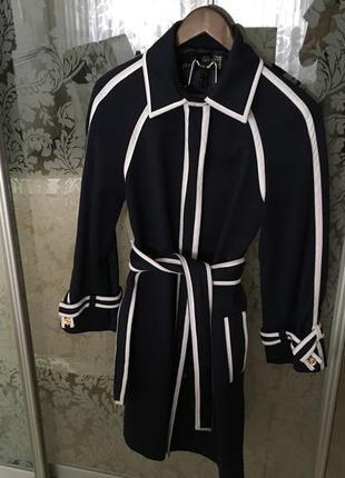 Итальянское пальто love moschino