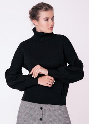 Вязаный теплый свитер крупной вязкой