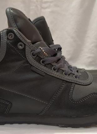 Зимние ботинки кроссовки кожаные с меховой подкладкой