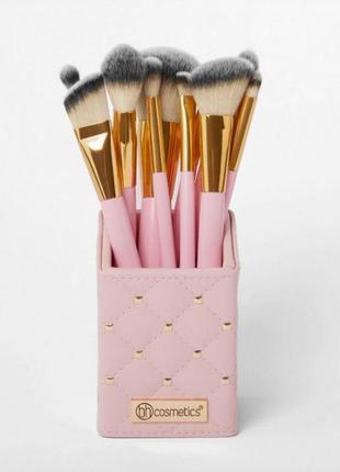 Набор кистей в подставке bh cosmetics 12 штук розовые