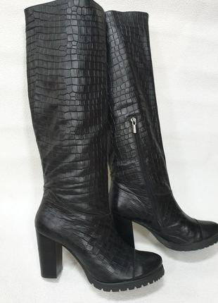 Зимние кожаные сапожки 39 размер