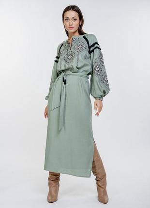 Длинное платье-вышиванка с геометрическими узорами крестиком 4...