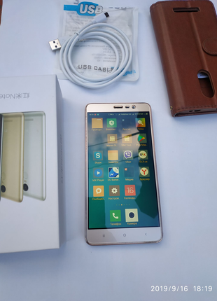 Телефон Xiaomi Redmi Note 3 16GB Gold