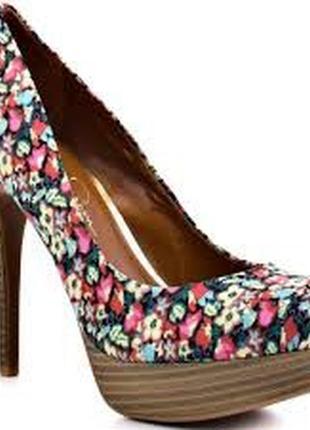 Шикарные и нарядные туфли jessica simpson