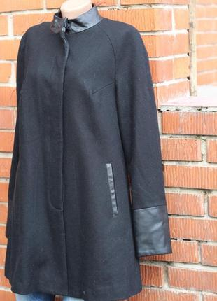 Стильное пальто с кожаными вставками мехх 46-48