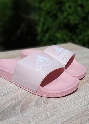 Женские шлепки adidas /сланцы