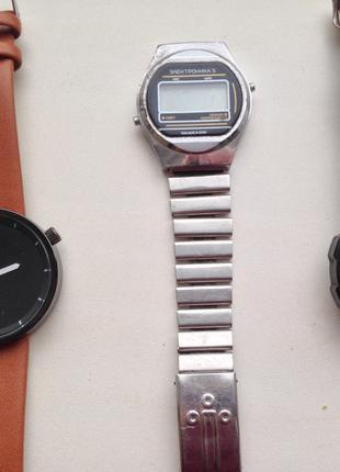 Часы на запчасти, разные, советские, Электроника 5.
