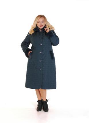 Шикарное черное зимнее пальто с капюшоном
