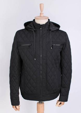 Мужская черная куртка с капюшоном