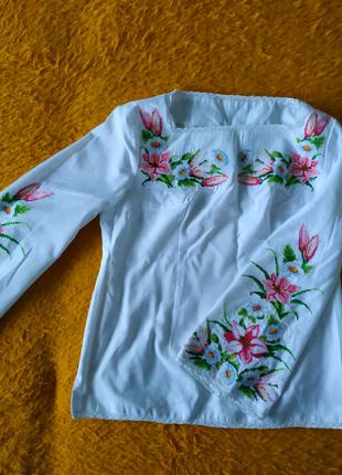 Вишиванка жіноча вишита сорочка машинна вишивка квіти лілії