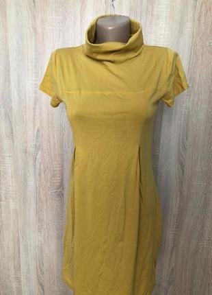Платье с коротким рукавом и воротником-хомутом горчично-желтог...