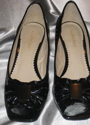 Туфли женские,р. 37