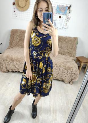 Junction темно синее короткое платье в роскошный золотой принт