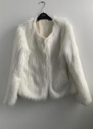 Белая искусственная шуба мех длинный куртка