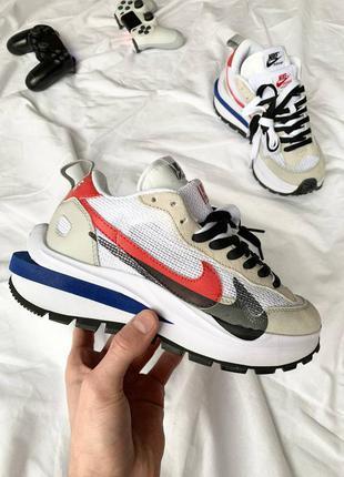 Nike vaporwaffle sport fuschia x sacai женские замшевые кроссовки