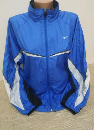 Женская куртка ветровка от reebok