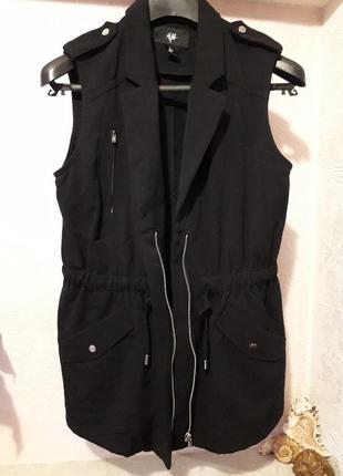 Женская жилетка безрукавка на молнии с карманами демисезон вес...