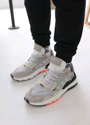 Adidas NITE JOGGER наложка