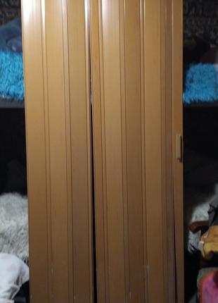 Три раздвижные двери. Хорошего качества