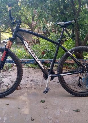 Прекрасный велосипед Orbea на 26 колесах обвес alivio