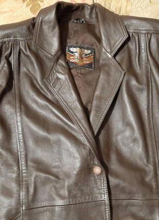 Кожаная куртка размер 56-58.