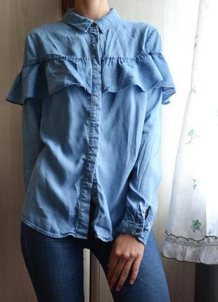 Джинсовая рубашка с воланом оборкой vila